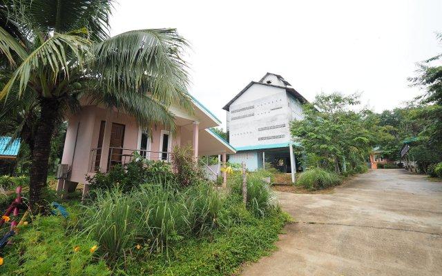 Отель Sai Rung Resort вид на фасад