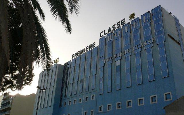 Отель Premiere Classe Nice - Promenade des Anglais Франция, Ницца - 13 отзывов об отеле, цены и фото номеров - забронировать отель Premiere Classe Nice - Promenade des Anglais онлайн вид на фасад