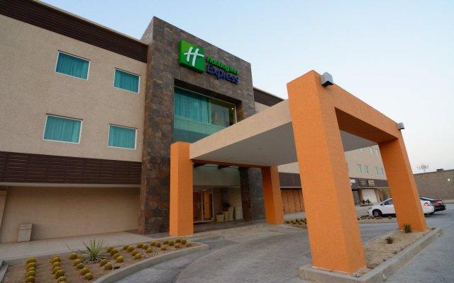 Отель Holiday Inn Express Cabo San Lucas вид на фасад