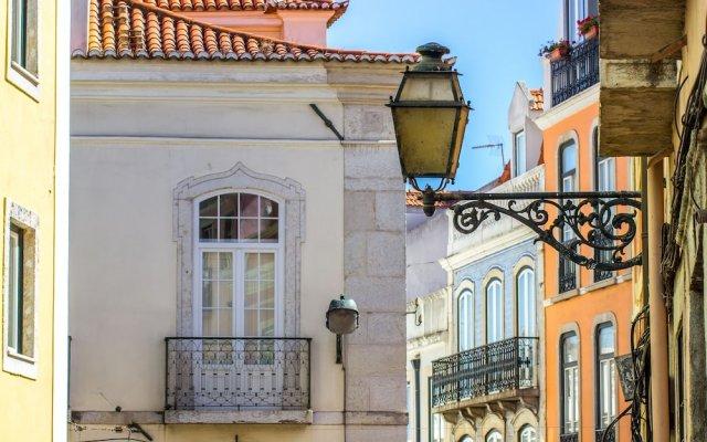 Отель Poiais by BnbLord вид на фасад