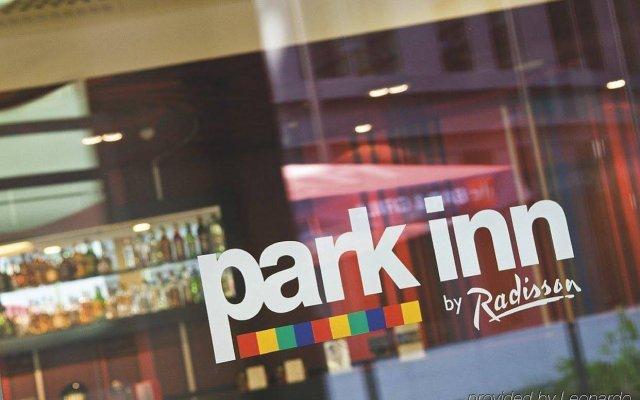 Отель Park Inn by Radisson Brussels Midi Бельгия, Брюссель - 5 отзывов об отеле, цены и фото номеров - забронировать отель Park Inn by Radisson Brussels Midi онлайн вид на фасад