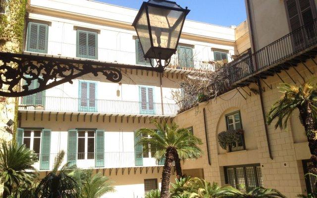 Отель Palazzo Artale Holiday Homes Италия, Палермо - отзывы, цены и фото номеров - забронировать отель Palazzo Artale Holiday Homes онлайн вид на фасад