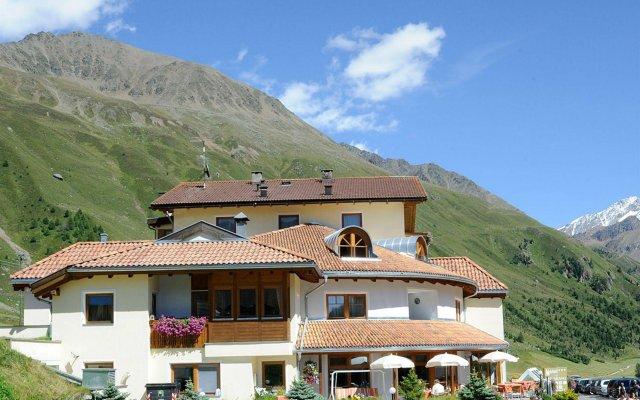 Hotel Alpenjuwel Горнолыжный курорт Ортлер вид на фасад