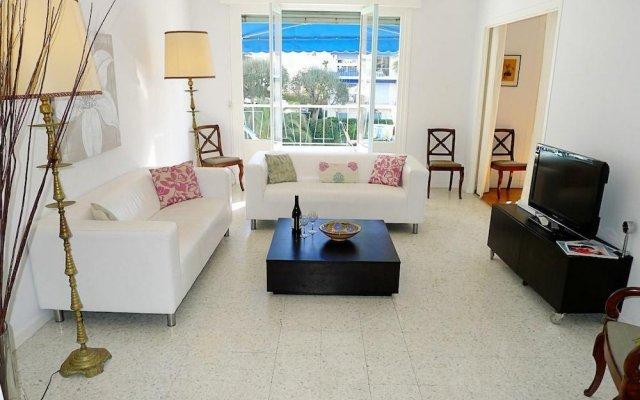 Отель Happyfew - Appartement le Bleu Rivage комната для гостей