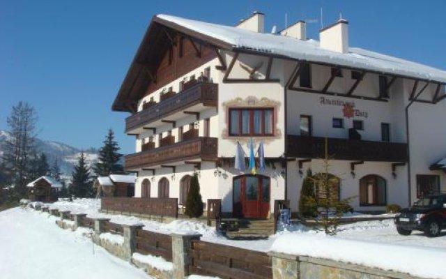Гостиница Альпийский Двор Украина, Волосянка - 1 отзыв об отеле, цены и фото номеров - забронировать гостиницу Альпийский Двор онлайн вид на фасад