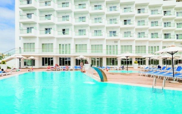 Отель MH Peniche вид на фасад