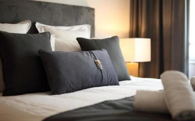 Fivos Luxury Suite in Athens Center