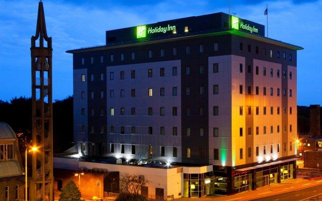 Отель Holiday Inn Stevenage вид на фасад
