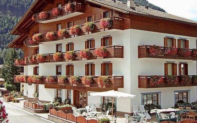 Hotel Ciampian вид на фасад