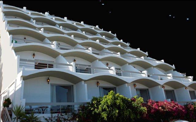 Отель Panorama Apartments Греция, Порос - 1 отзыв об отеле, цены и фото номеров - забронировать отель Panorama Apartments онлайн вид на фасад