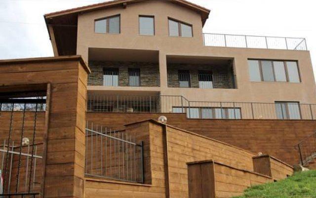 Отель Villa Gergana Боженци вид на фасад