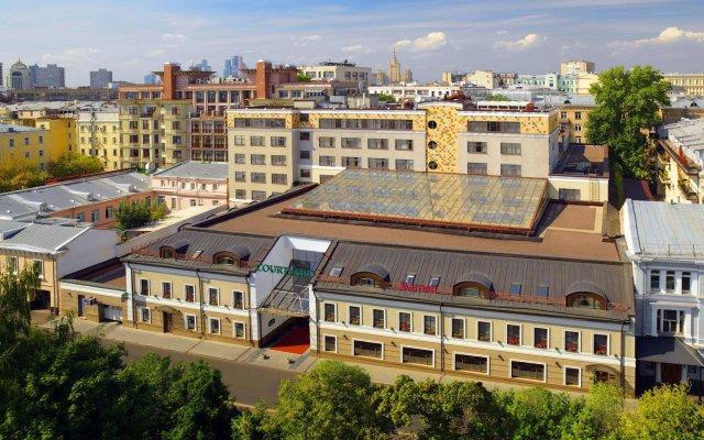 Гостиница Кортъярд Марриотт Москва Центр вид на фасад