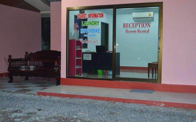 Отель Baan Long Beach Таиланд, Ланта - отзывы, цены и фото номеров - забронировать отель Baan Long Beach онлайн вид на фасад