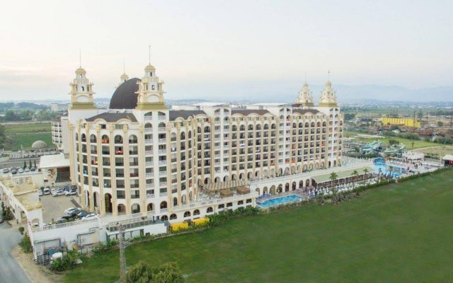Jadore Deluxe Hotel And Spa вид на фасад