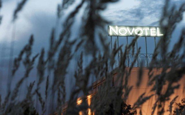 Отель Novotel Antwerpen вид на фасад