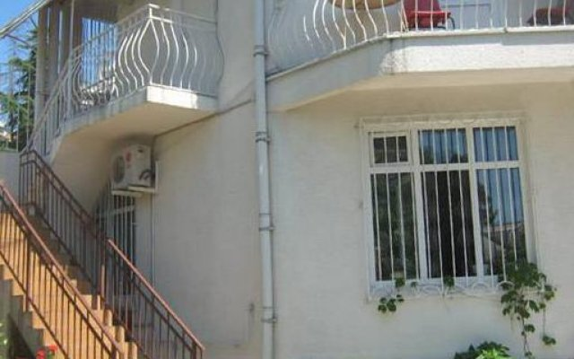 Гостевой дом Вилла Светлана Сочи вид на фасад