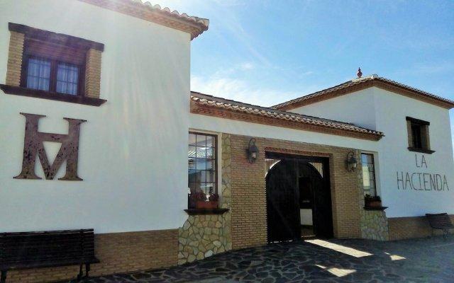 Отель La Hacienda del Marquesado Сьерра-Невада вид на фасад