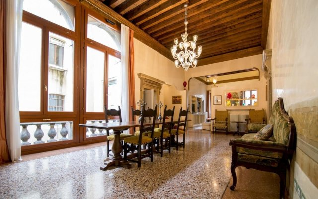 Fortuny 3967 Luxury Suites Wine - Ve-l736-sanm3967at