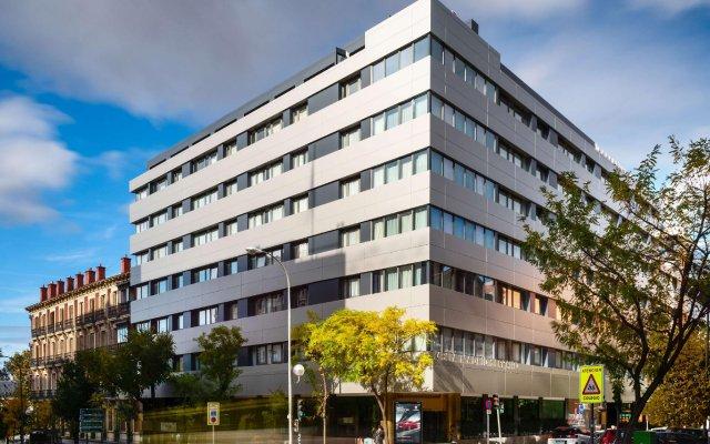 Отель Melia Galgos вид на фасад