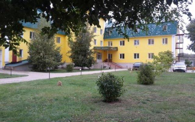 Гостиница Речная Долина в Энгельсе отзывы, цены и фото номеров - забронировать гостиницу Речная Долина онлайн Энгельс вид на фасад