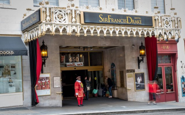 Kimpton Sir Francis Drake Hotel вид на фасад