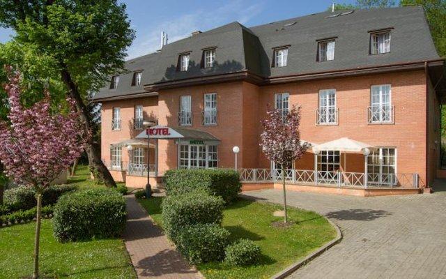 Alexandra Hotel Розтоки вид на фасад