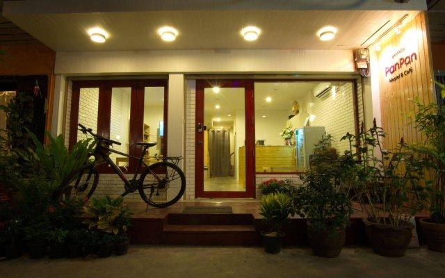 PanPan Hostel Bangkok Бангкок вид на фасад