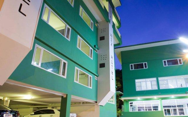 Wiz Hotel вид на фасад
