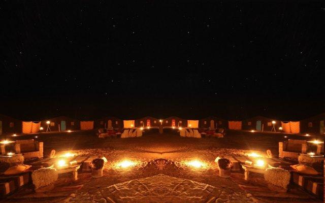 Отель Bivouac Karim Sahara Марокко, Загора - отзывы, цены и фото номеров - забронировать отель Bivouac Karim Sahara онлайн вид на фасад