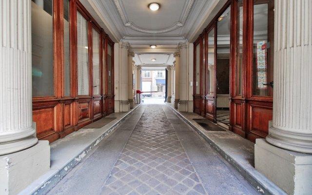 Отель Guest Trotter - Saint Philippe du Roule Франция, Париж - отзывы, цены и фото номеров - забронировать отель Guest Trotter - Saint Philippe du Roule онлайн вид на фасад