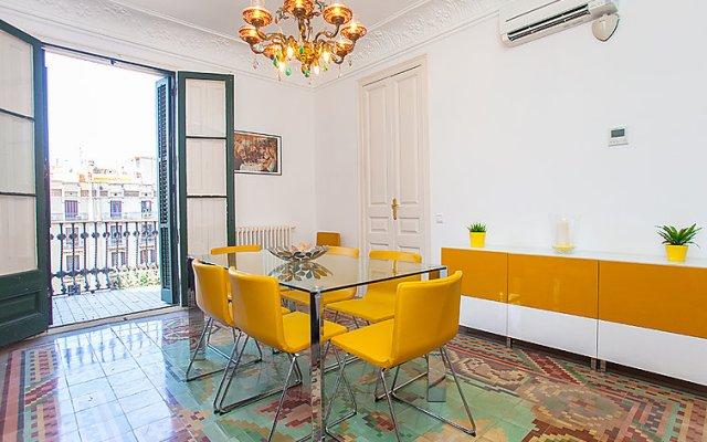 Отель Eix.Dret:Roger de LLúria/València комната для гостей