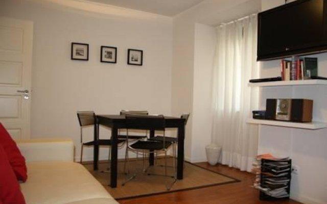 Отель Home at Lisbon комната для гостей
