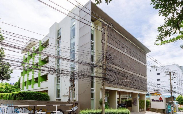 Siamaze Hostel Бангкок вид на фасад