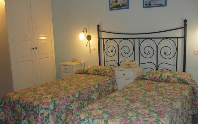 Hotel La Torre Римини комната для гостей