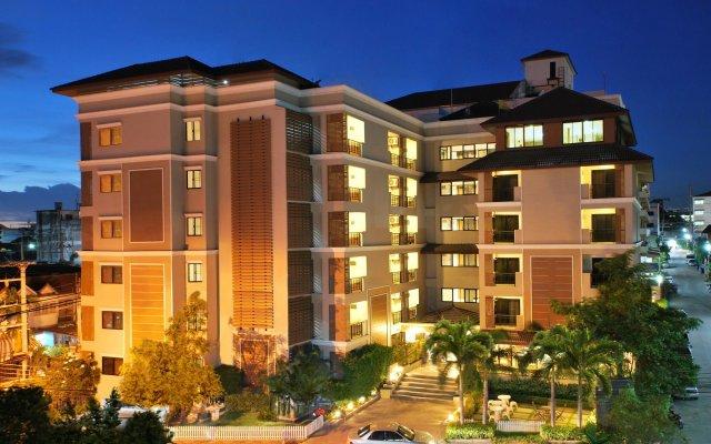 Отель Grand Marina Residence вид на фасад