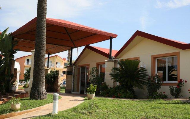 Отель Roc Cala d'en Blanes Beach Club вид на фасад