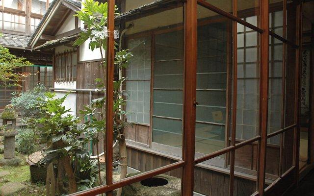 Отель Ebisuya Araki Ryokan Аиои вид на фасад