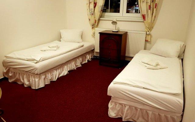 Hotel Alabama Мельник комната для гостей