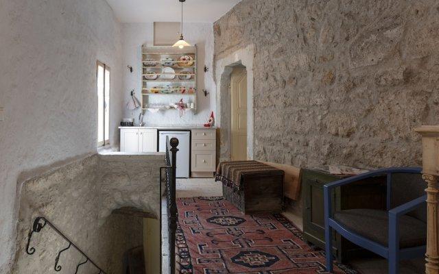 Отель Aganbey Ev Чешме комната для гостей