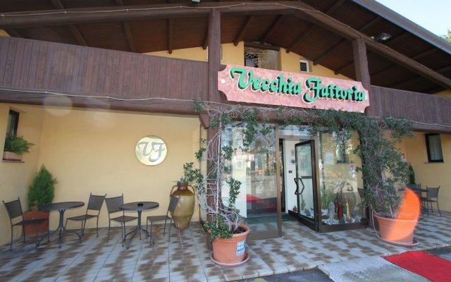Отель La Vecchia Fattoria Италия, Лорето - отзывы, цены и фото номеров - забронировать отель La Vecchia Fattoria онлайн вид на фасад