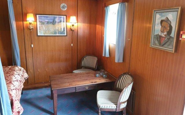 Отель MS Birger Jarl - Hotel & Hostel Швеция, Стокгольм - 5 отзывов об отеле, цены и фото номеров - забронировать отель MS Birger Jarl - Hotel & Hostel онлайн