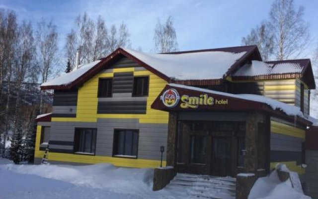 Гостиница Guest House Smile в Шерегеше отзывы, цены и фото номеров - забронировать гостиницу Guest House Smile онлайн Шерегеш вид на фасад