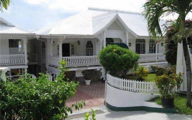 Отель Grenadine House вид на фасад