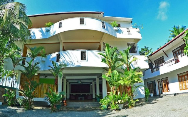 Отель Green Shadows Beach Hotel Шри-Ланка, Ваддува - отзывы, цены и фото номеров - забронировать отель Green Shadows Beach Hotel онлайн вид на фасад