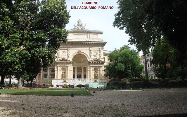 Отель Roma Vespahouse вид на фасад