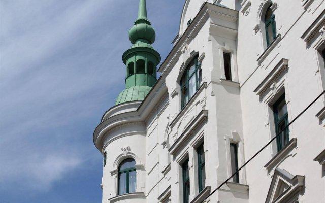 Отель -Pension Wild Австрия, Вена - 2 отзыва об отеле, цены и фото номеров - забронировать отель -Pension Wild онлайн вид на фасад