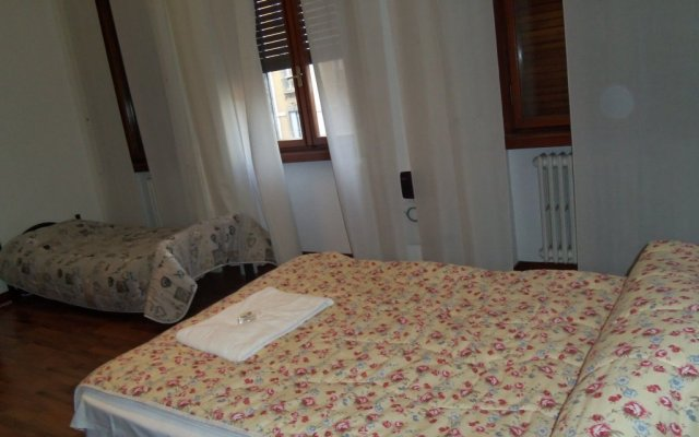 Отель B&B Milano House Италия, Милан - отзывы, цены и фото номеров - забронировать отель B&B Milano House онлайн комната для гостей