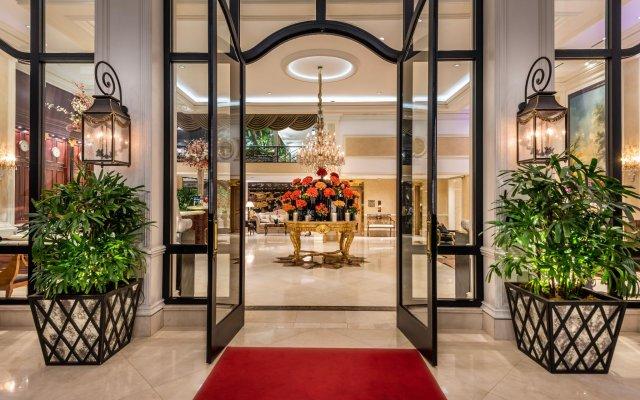 Отель Beverly Hills Plaza Hotel США, Лос-Анджелес - отзывы, цены и фото номеров - забронировать отель Beverly Hills Plaza Hotel онлайн вид на фасад