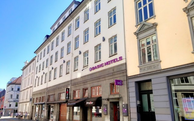 Отель Basic Bergen Берген вид на фасад