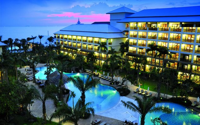 Отель Ravindra Beach Resort And Spa Таиланд, На Чом Тхиан - 6 отзывов об отеле, цены и фото номеров - забронировать отель Ravindra Beach Resort And Spa онлайн вид на фасад